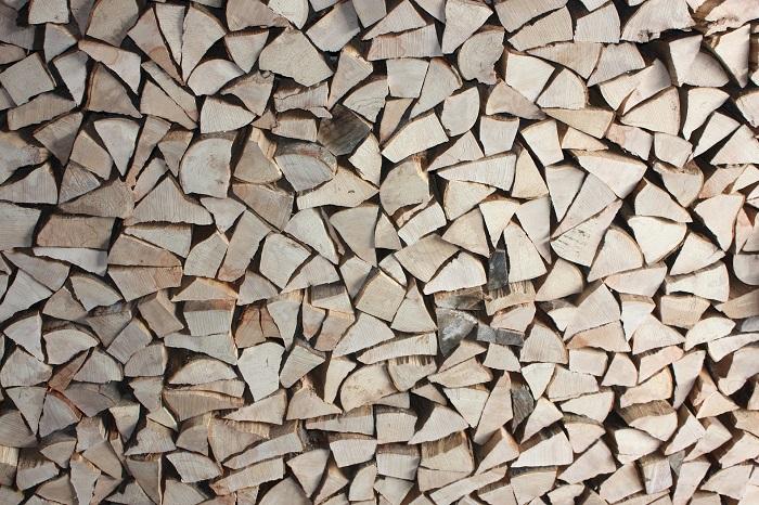 Kolty na drevo a brikety